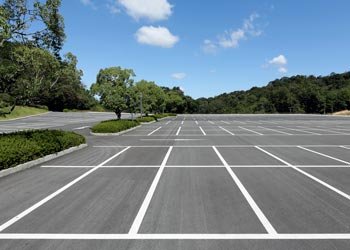 How to Prepare Asphalt Parking Lots for Winter Grand Rapids Asphalt Paving