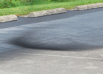 When's the Best Time for Driveway Sealcoating Grand Rapids Asphalt Paving